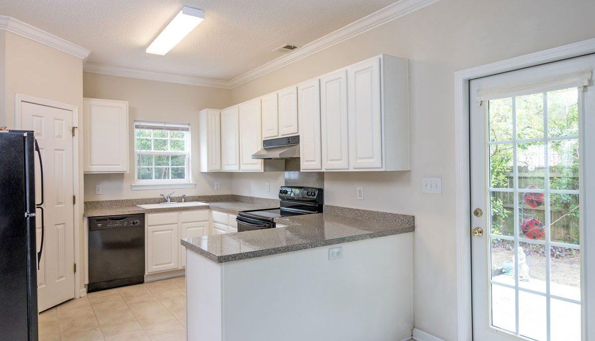 3002 Allison Cove Drive, Lawton Harbor kitchen
