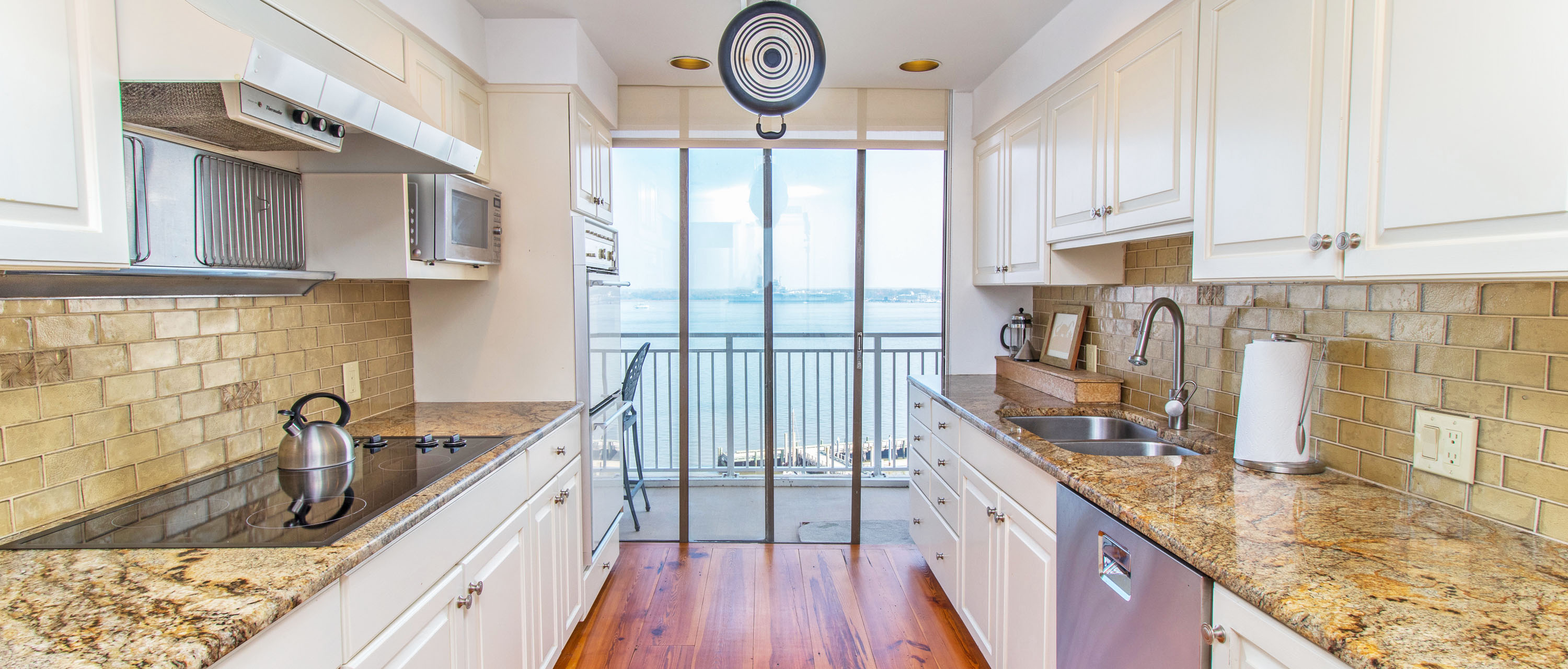 330 Concord Street FG, Dockside kitchen