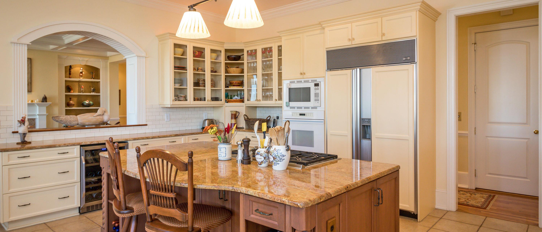 1405 Nancy Island Drive, Seabrook Island kitchen