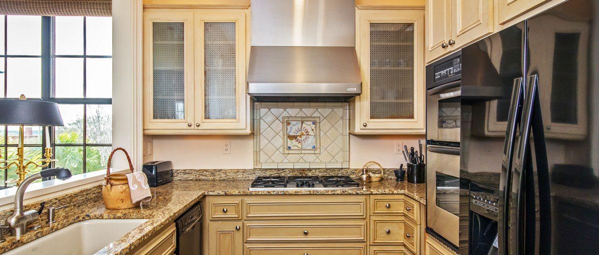 3 Chisolm Street, Condominium 304 kitchen