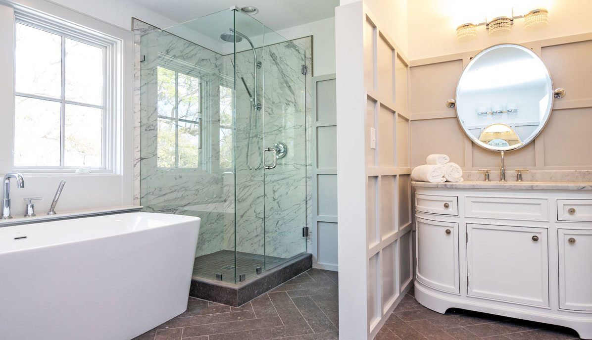 10 Yeamans Road, The Crescent master bathroom