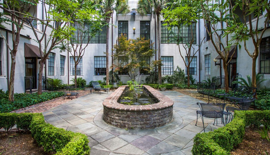 3 Chisolm Street courtyard