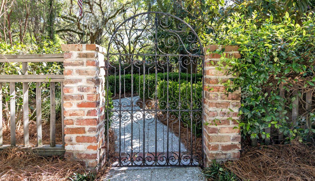 179 Riverland Drive, Riverland Terrace gate