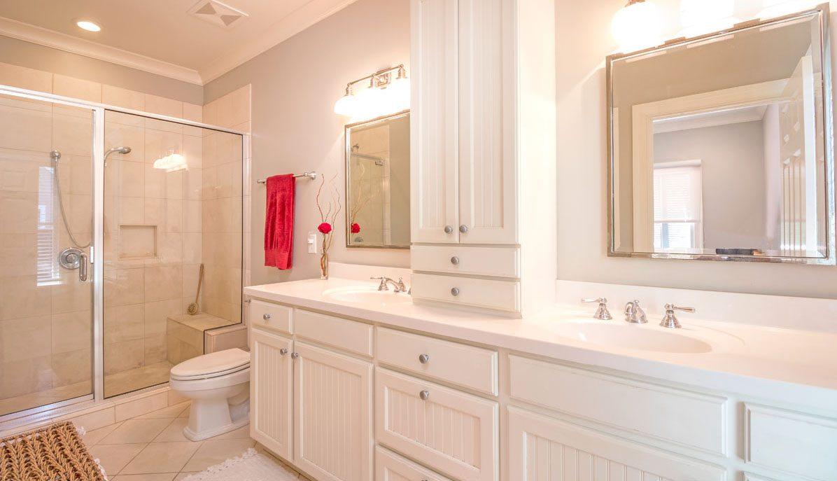 302 N. Shelmore Blvd., I'on master bathroom