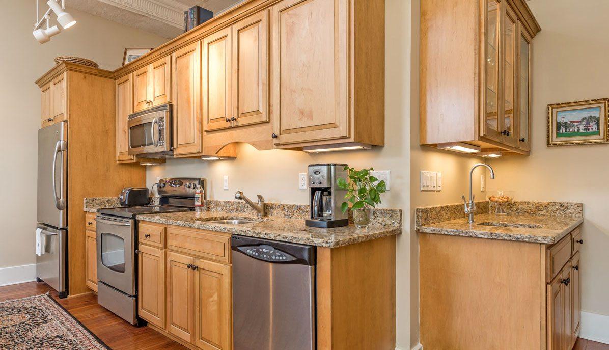 4 Beaufain Street 204 kitchen