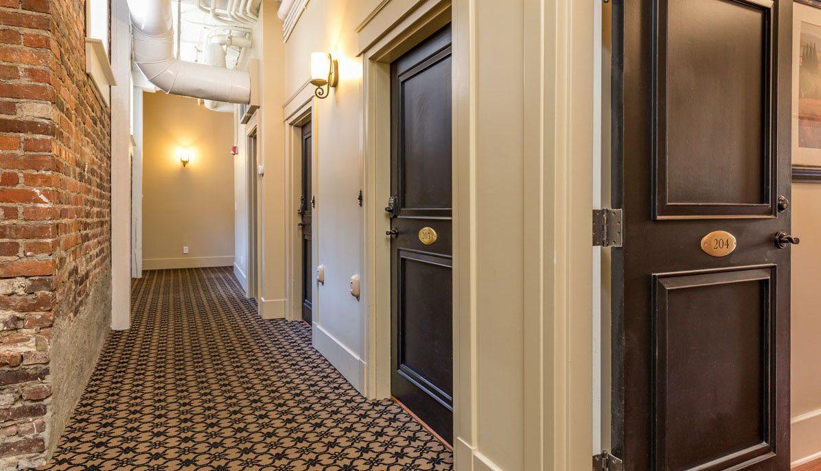 4 Beaufain Street 204 hall