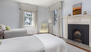 46 Murray Blvd. bedroom