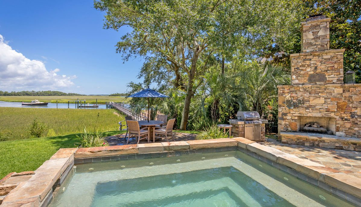23 Cormorant Island Lane pool & fireplace