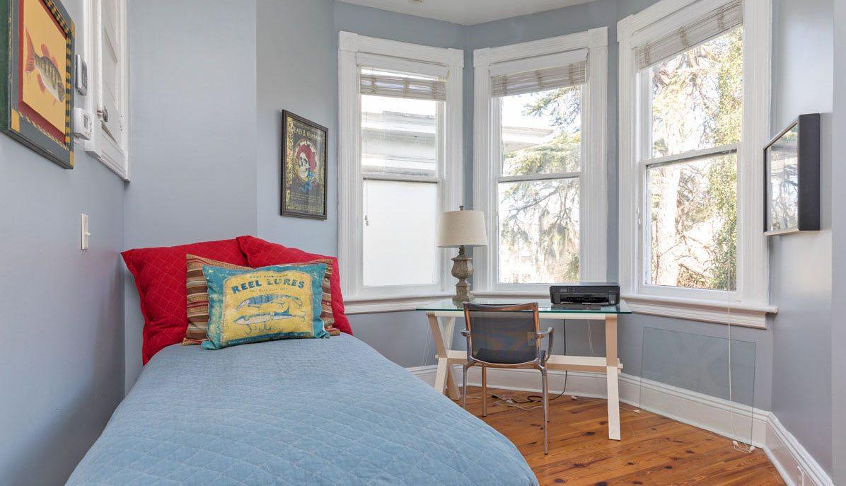 253 Rutledge Avenue B bedroom