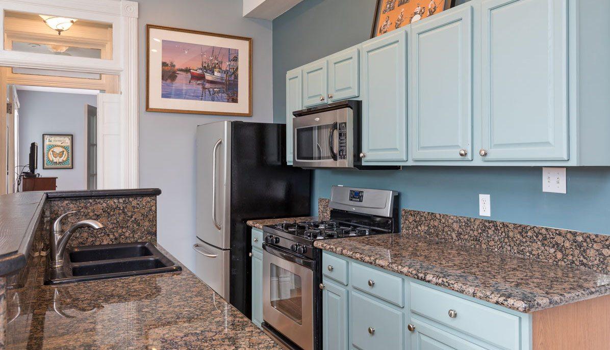 253 Rutledge Avenue B kitchen