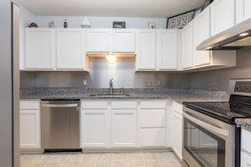21 Rivers Point Row 6F kitchen