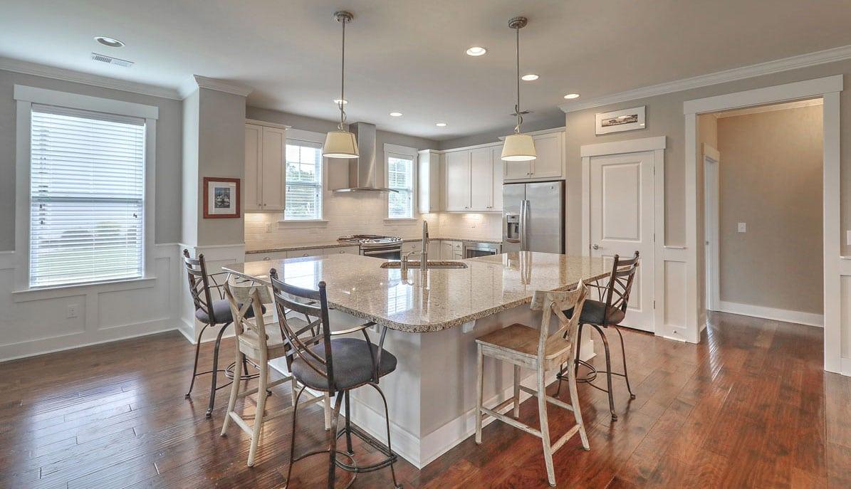 3153 Fosters Glenn Drive kitchen