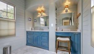 262 Coming Street master bathroom
