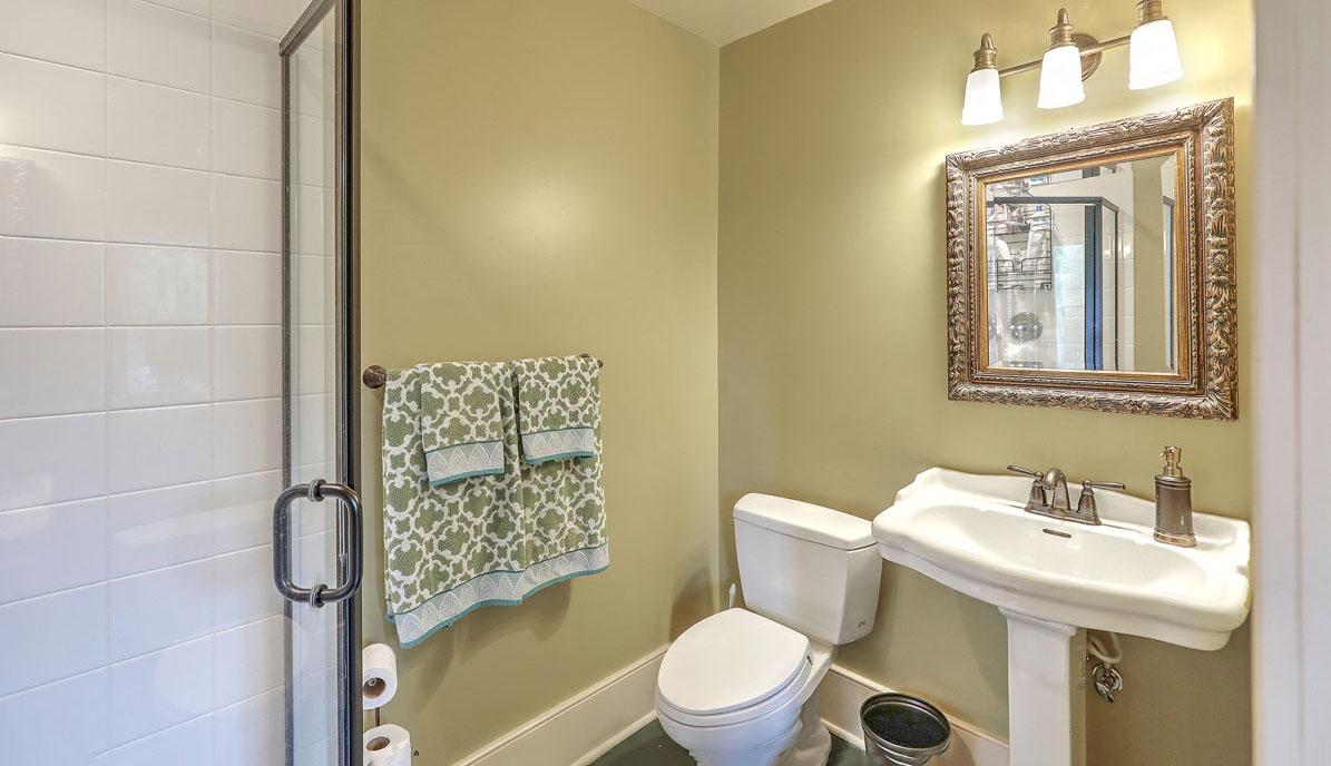 110 Ashley Avenue guest house bath