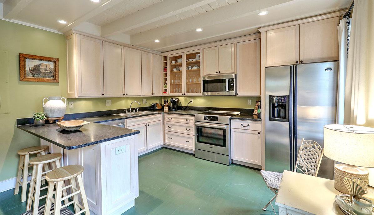 110 Ashley Avenue guest house kitchen