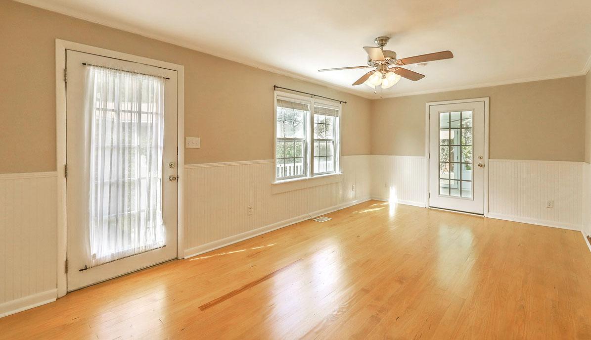 1222 Byron Road living room