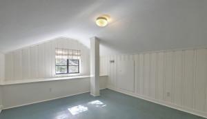 113 Tall Oak Avenue bonus room/office