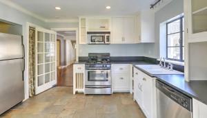 113 Tall Oak Avenue kitchen