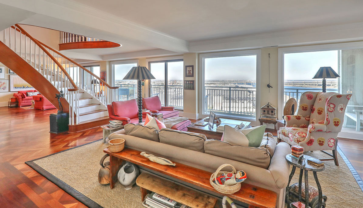330 Concord Street 18E, Dockside great room