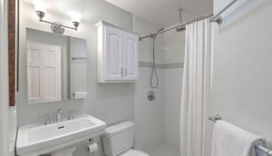 53 South Battery bathroom