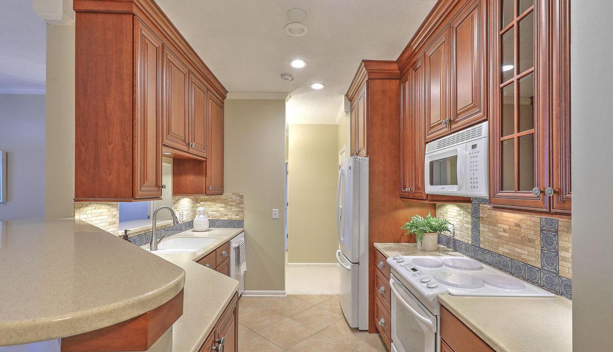 45 Sycamore Avenue 218 kitchen