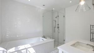 18 Limehouse Street bath 2