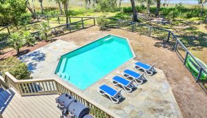 1310 Martins Point Road pool