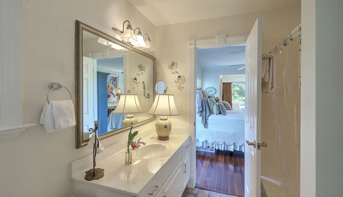 1312 Middle Street bath 2