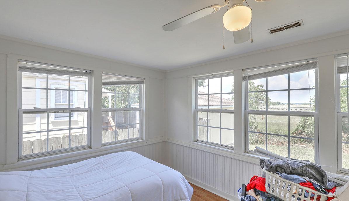 2318 Sunnyside Avenue bedroom 3