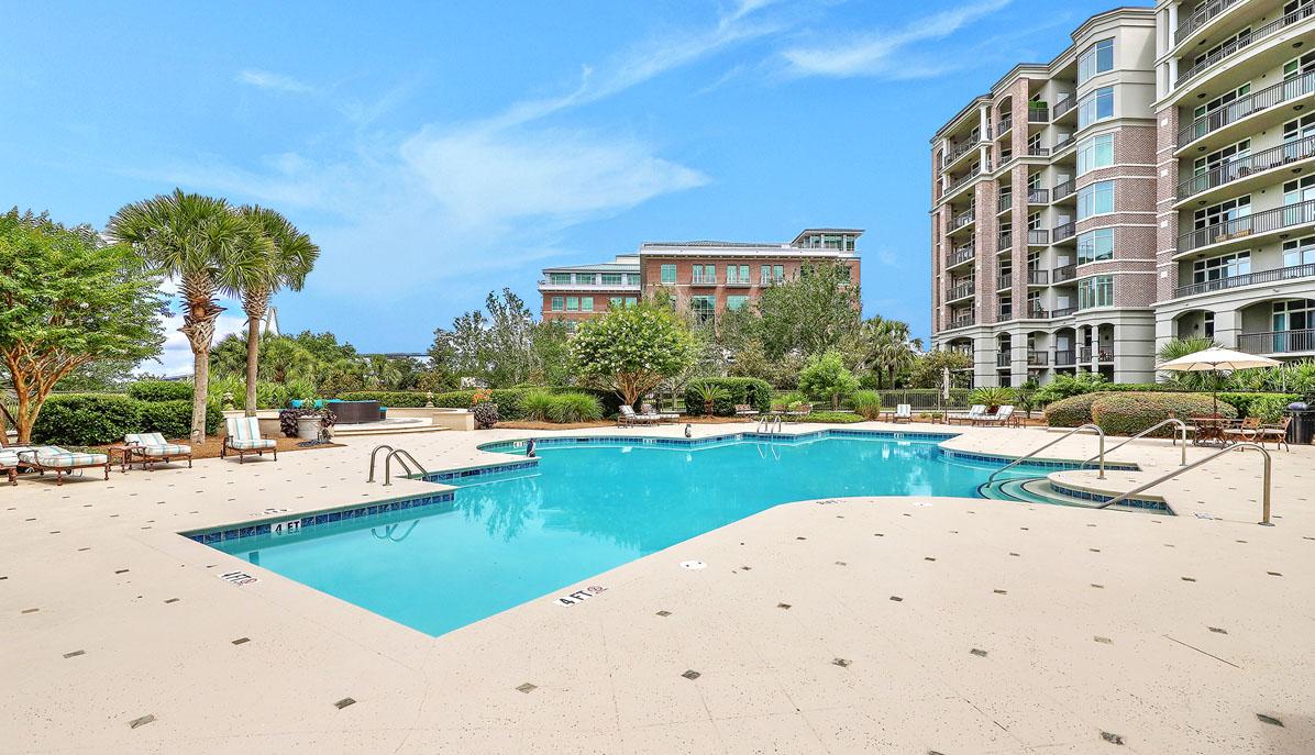 Renaissance on Charleston Harbor pool