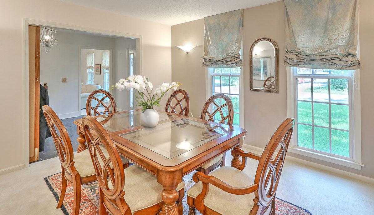 9 Windsor Drive formal dining room