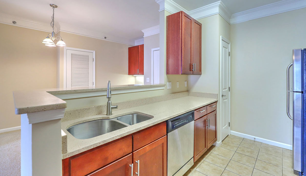 1755 Central Park Road 5307 kitchen