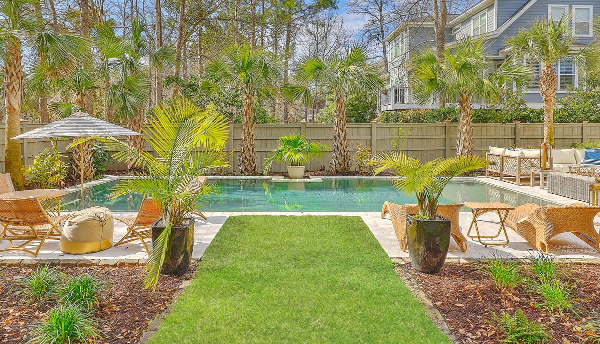 236 Indigo Bay Circle back yard & pool