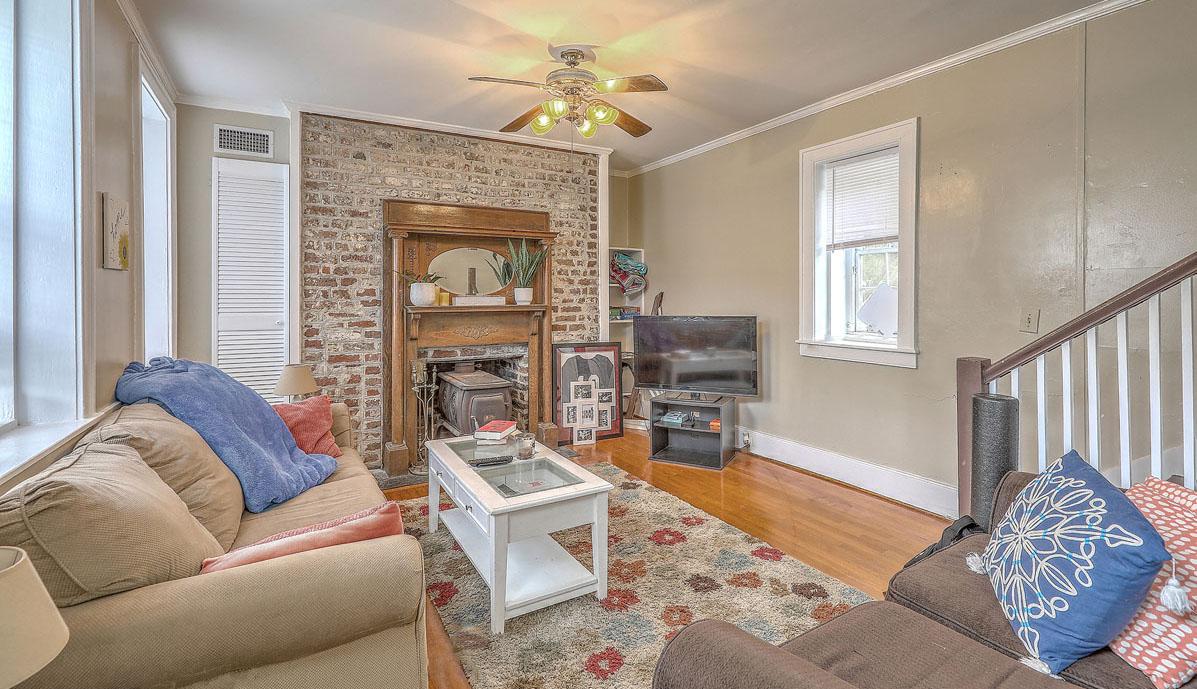 48 C Smith Street living room