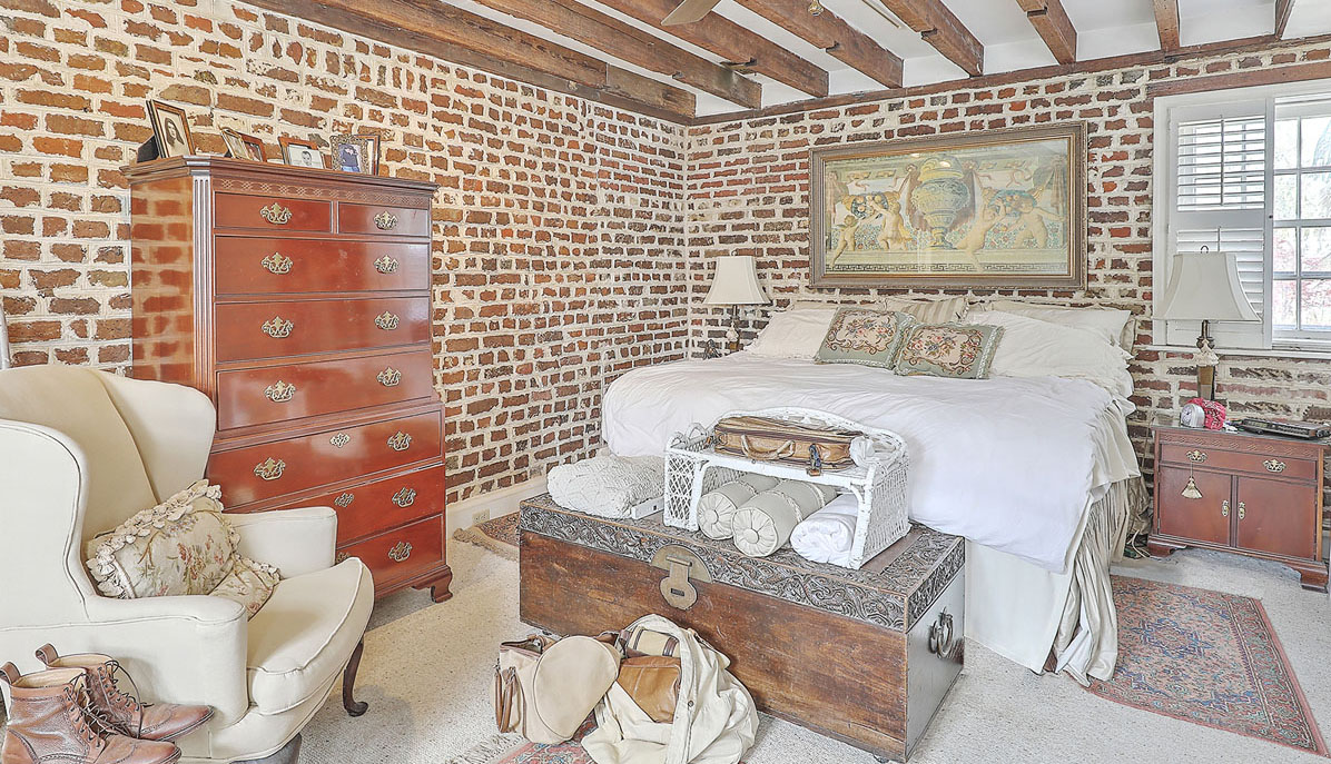 48 D&E Smith Street bedroom