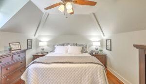 14 1/2 Montagu Street master bedroom
