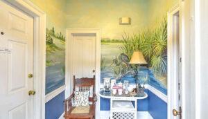 19 Pinckney Street, Palmer's Pinckney Inn Bed & Breakfast 1st floor vestibule