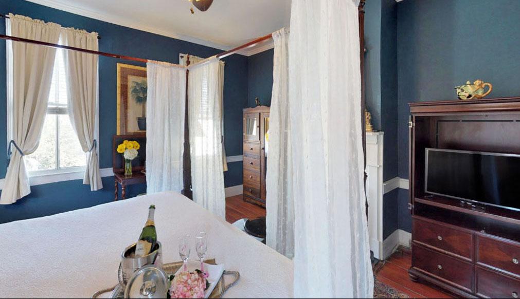 19 Pinckney Street, Palmer's Pinckney Inn Bed & Breakfast Bombay Room