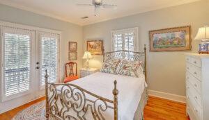 1 1/2 Gibbes Street bedroom