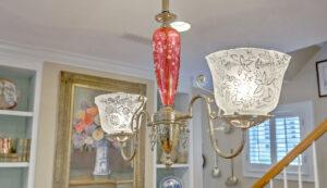 1 1/2 Gibbes Street dining room chandelier