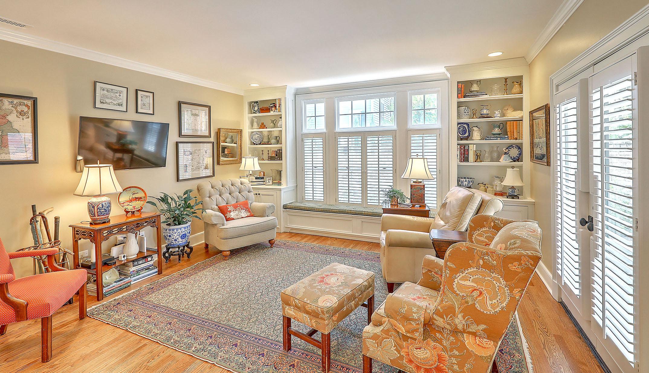 1 1/2 Gibbes Street living room