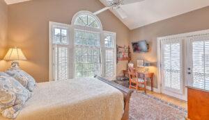 1 1/2 Gibbes Street master bedroom