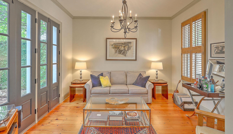 23 Felix Street living room