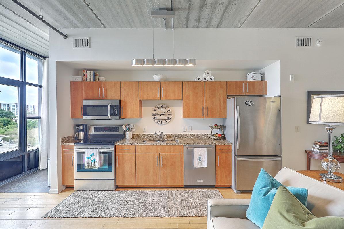 One Cool Blow Street 134 kitchen