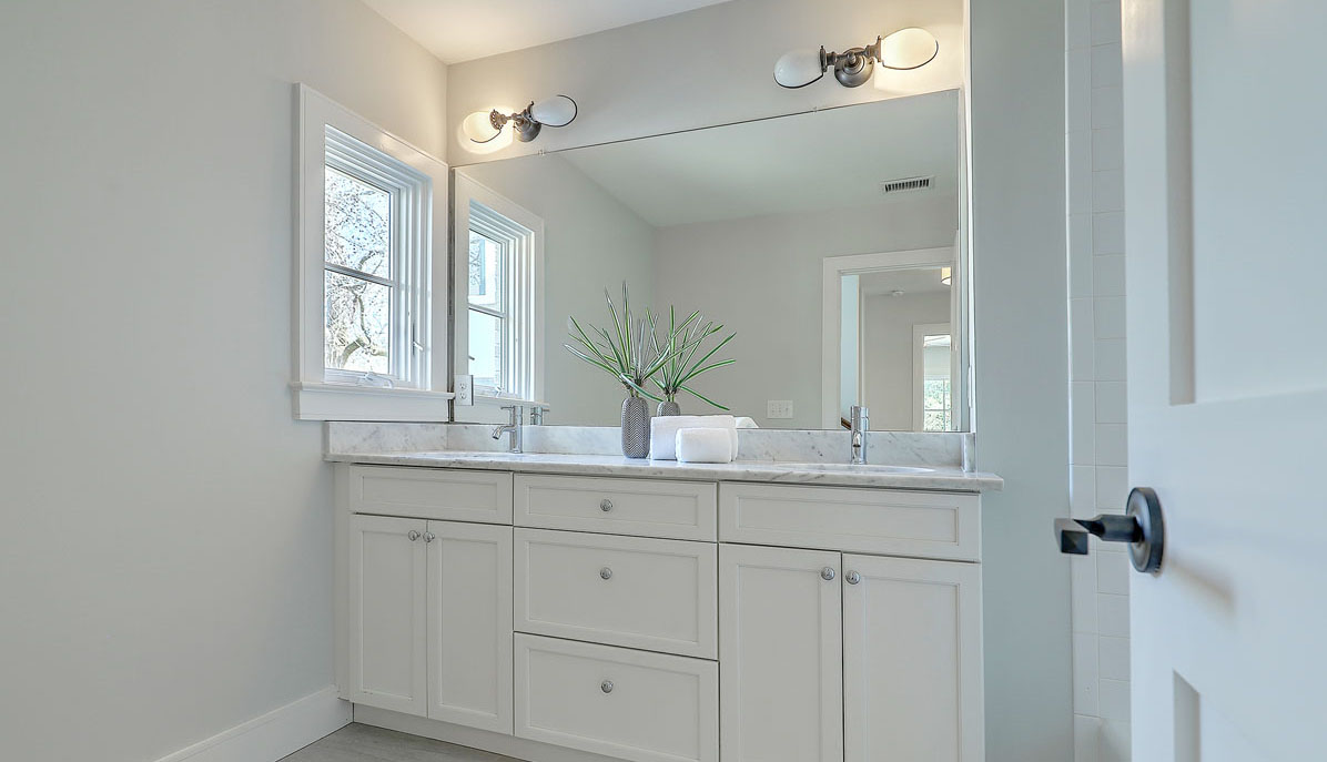 10 Yeamans Road hall bath vanity