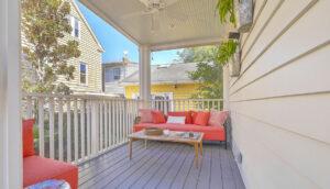 102 Queen Street screened porch