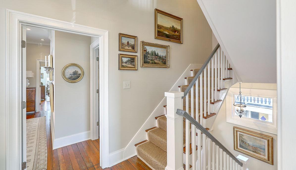 102 Queen Street stair hall
