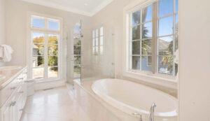 10 55th Avenue bath 1