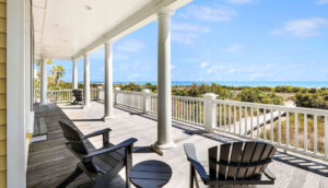 10 55th Avenue lower deck view