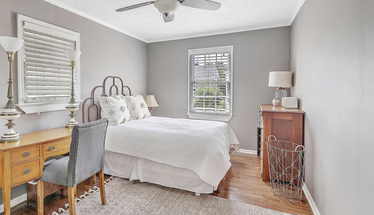 8 Perry Street bedroom 2